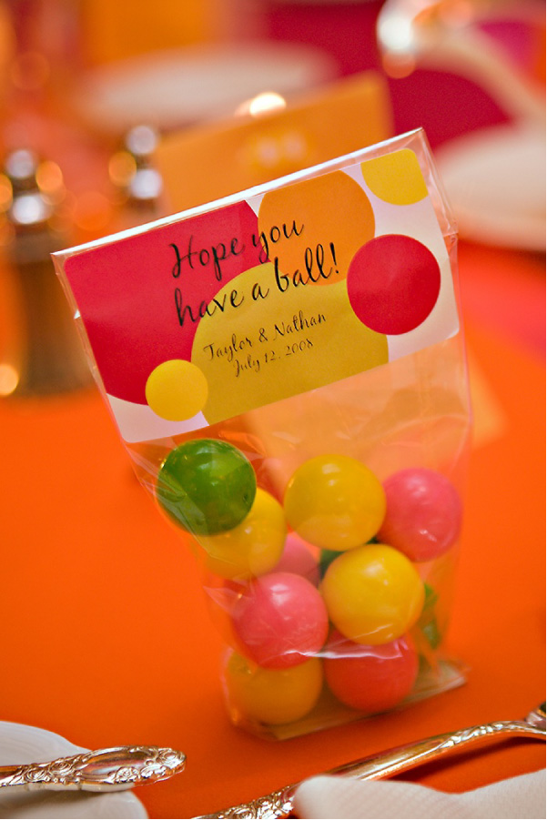 24 cool and inexpensive diy autumn wedding favors gumball favors