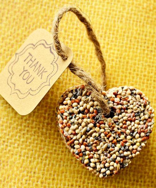 24 cool and inexpensive diy autumn wedding favors weddingomania