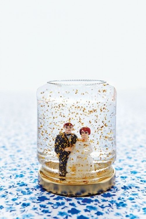 Cool DIY Jam Jar Glitter Globes For Your Winter Wedding Guests