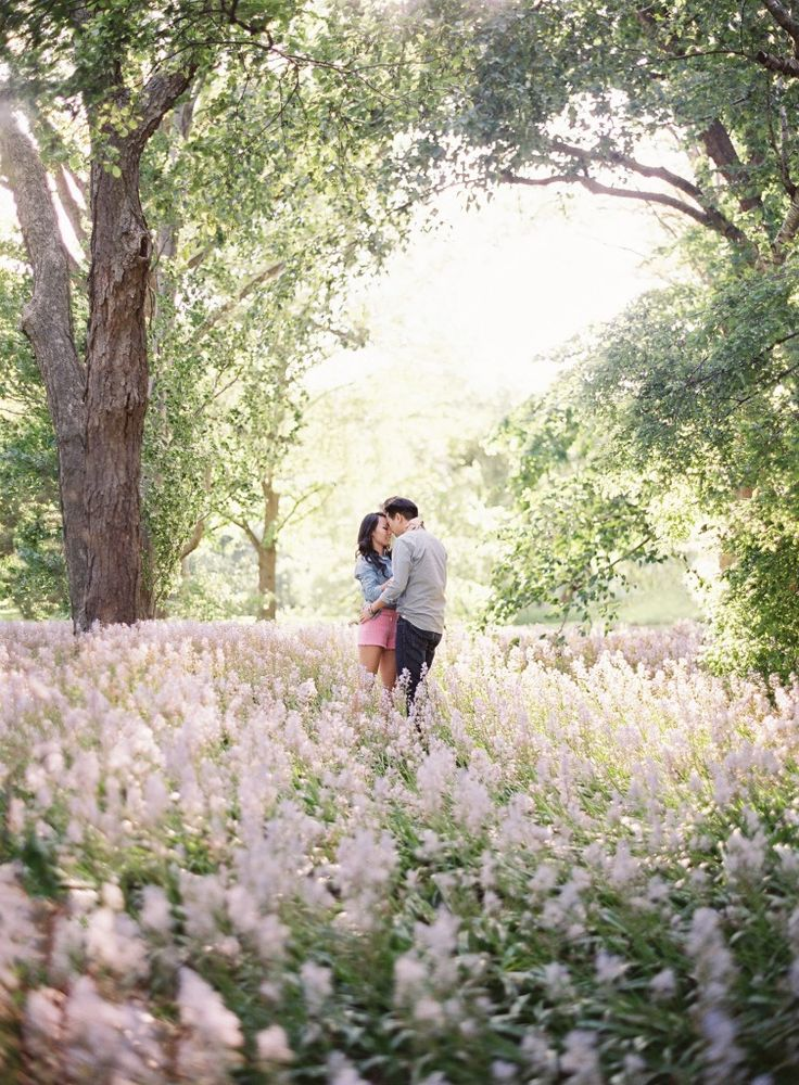 24 spring engagement photo ideas that inspire 187 photo 11