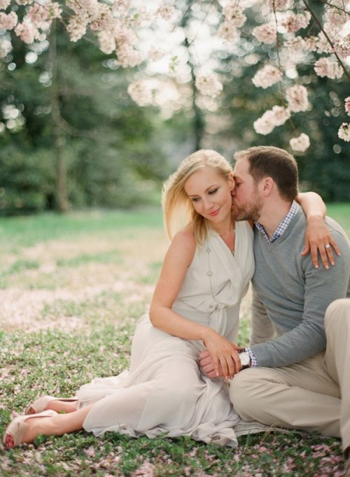you can get dressed in neutrals to make your engagement pics look more spring-like