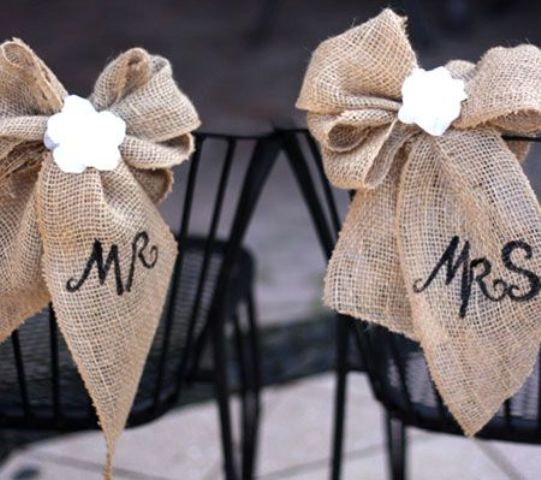 Picture Of cool ways to use burlap for your wedding  10