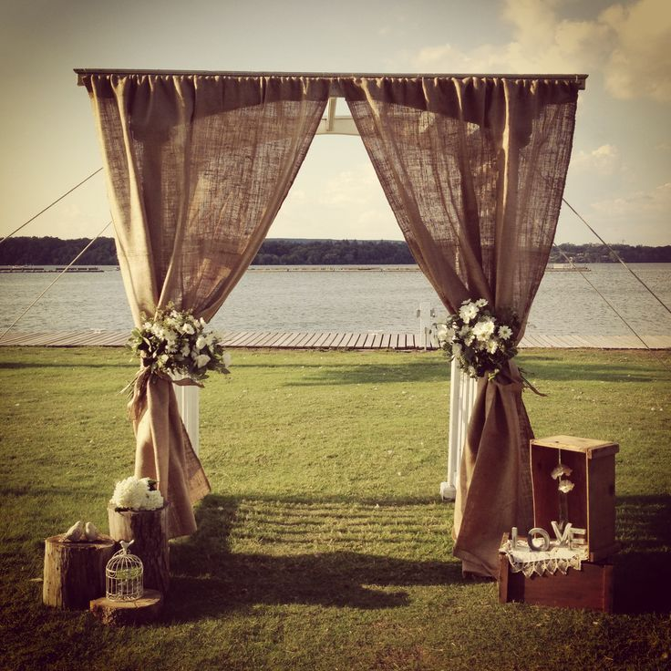 Picture Of cool ways to use burlap for your wedding  2