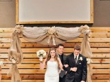 cool-ways-to-use-burlap-for-your-wedding-26