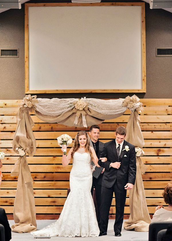 Picture Of cool ways to use burlap for your wedding  26
