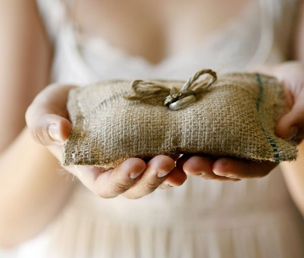 Picture Of cool ways to use burlap for your wedding  33