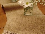 cool-ways-to-use-burlap-for-your-wedding-34