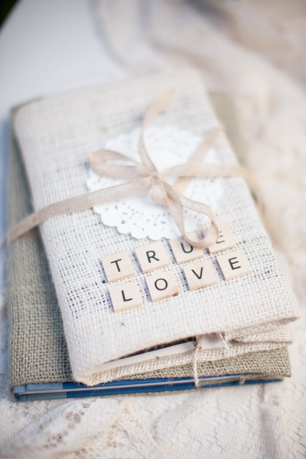 Picture Of cool ways to use burlap for your wedding  40