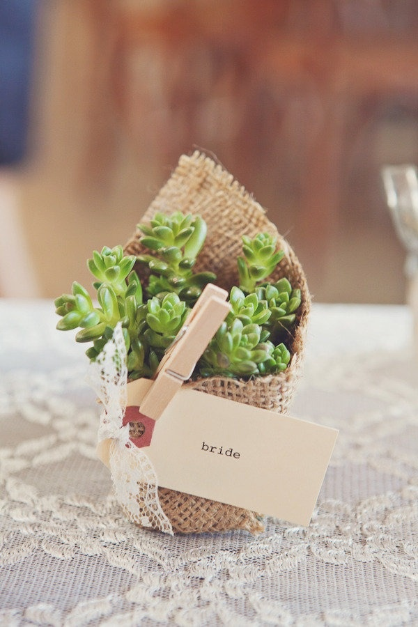 Picture Of cool ways to use burlap for your wedding  43
