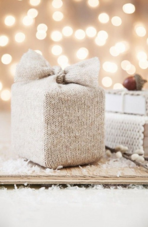 Picture Of cozy knitted ideas for a winter wedding  12