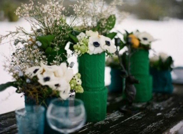 Picture Of cozy knitted ideas for a winter wedding  14