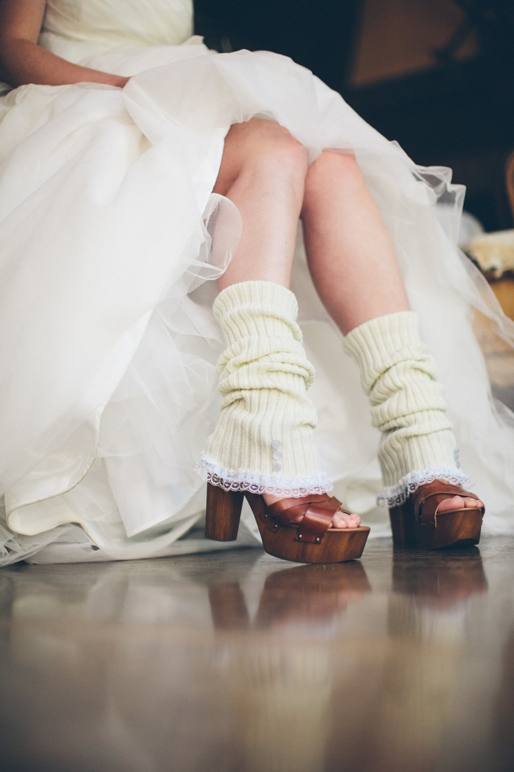 Picture Of cozy knitted ideas for a winter wedding  19