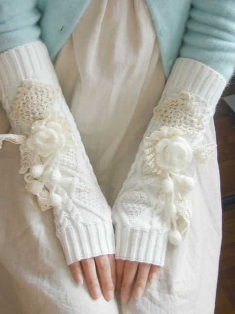 Picture Of cozy knitted ideas for a winter wedding  9