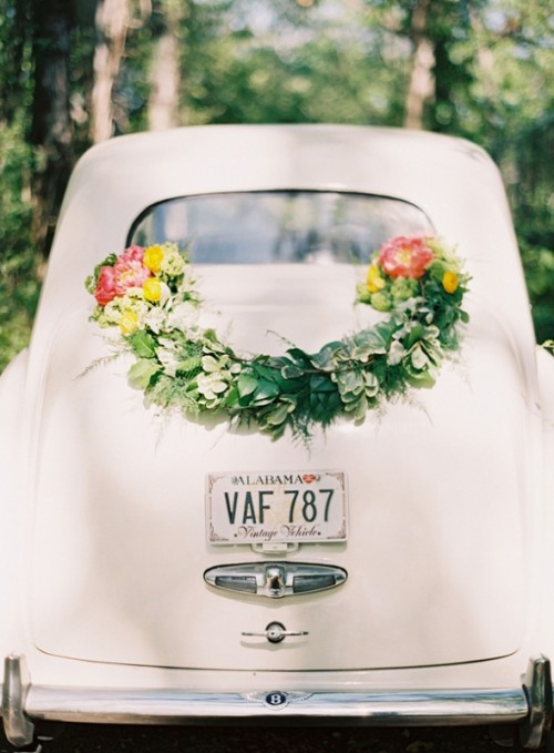 13 Creative DIY Wedding Garland Ideas