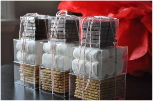 s'mores packs are ideal for a camp, rustic or just very relaxed wedding, whether it's in summer or not