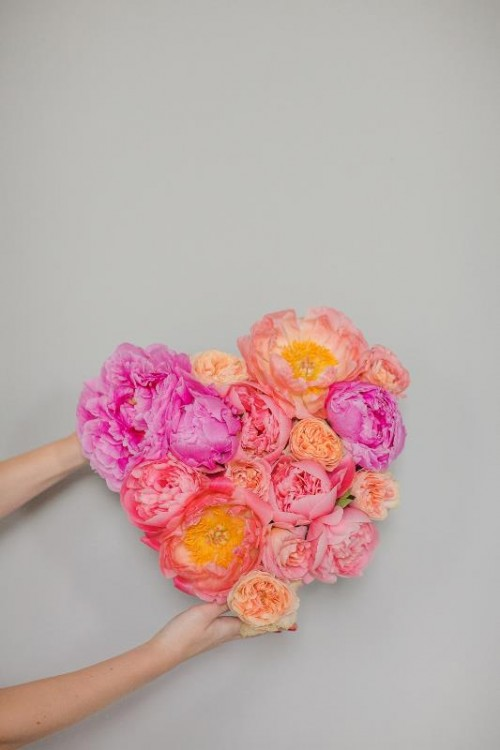 Cute And Fresh DIY Floral Heart Wedding Decor