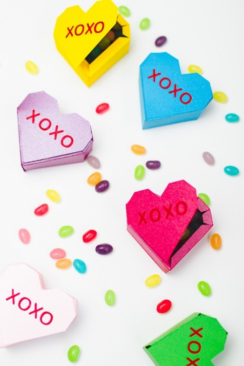 Cute DIY Geometric Heart Favor Boxes Filled With Candies