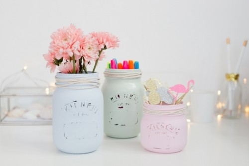 Cute DIY Pastel Mason Jars For Your Wedding Decor