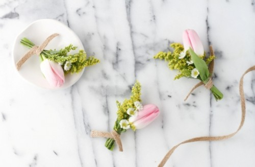 Cute DIY Tiny Bouquet For Bridesmaids Or A Boutonniere
