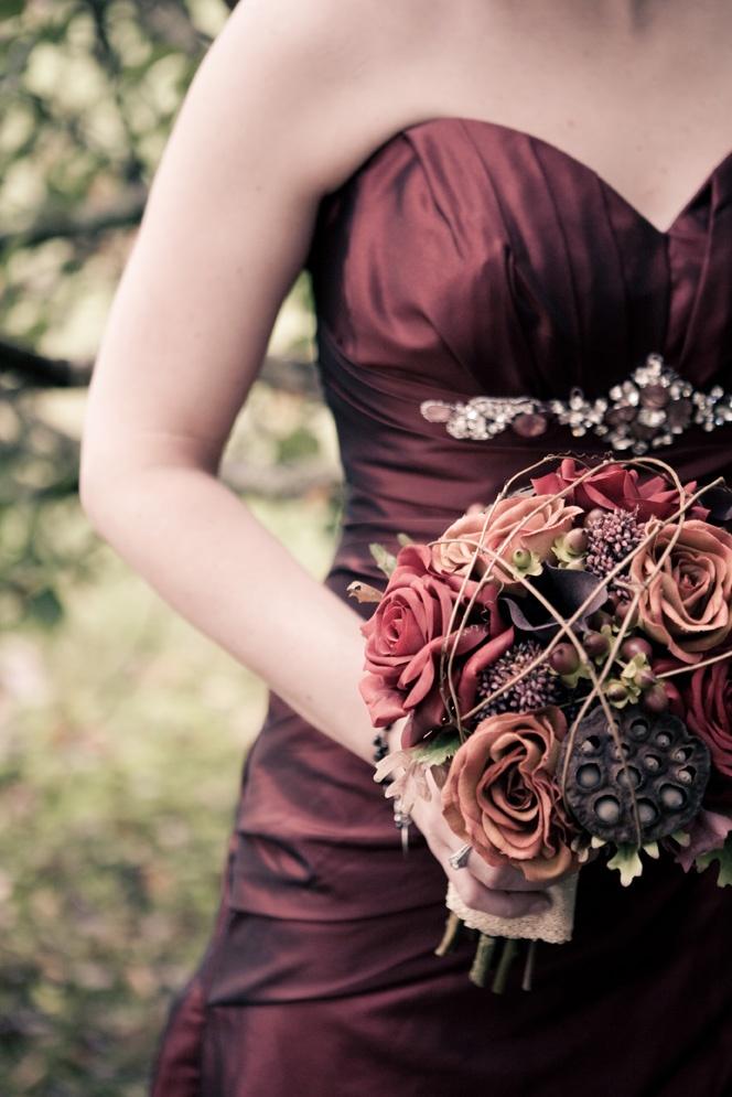 awesome halloween wedding ideas archives weddingomania. Black Bedroom Furniture Sets. Home Design Ideas