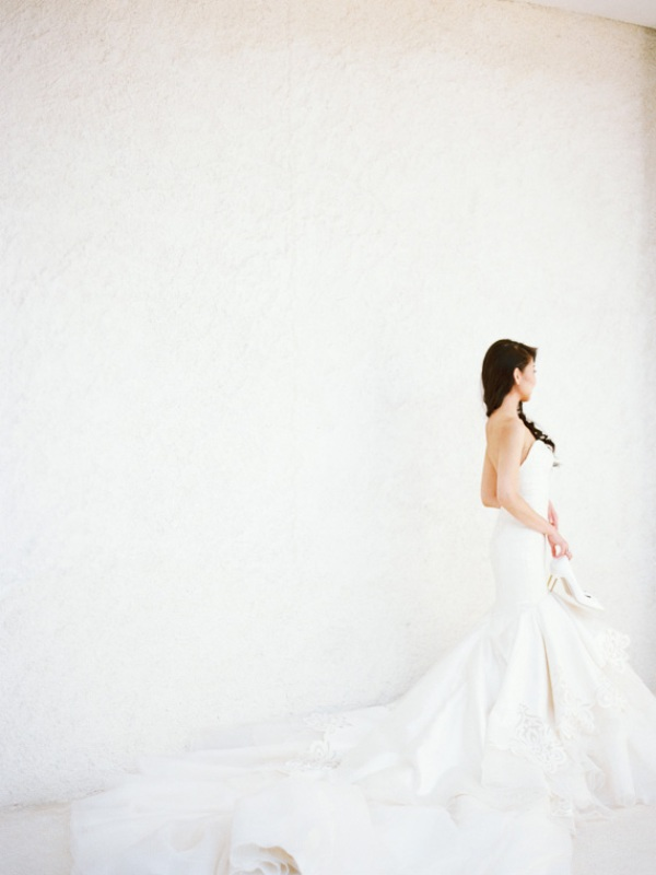 Picture Of delicate and intimate all white bali wedding  1