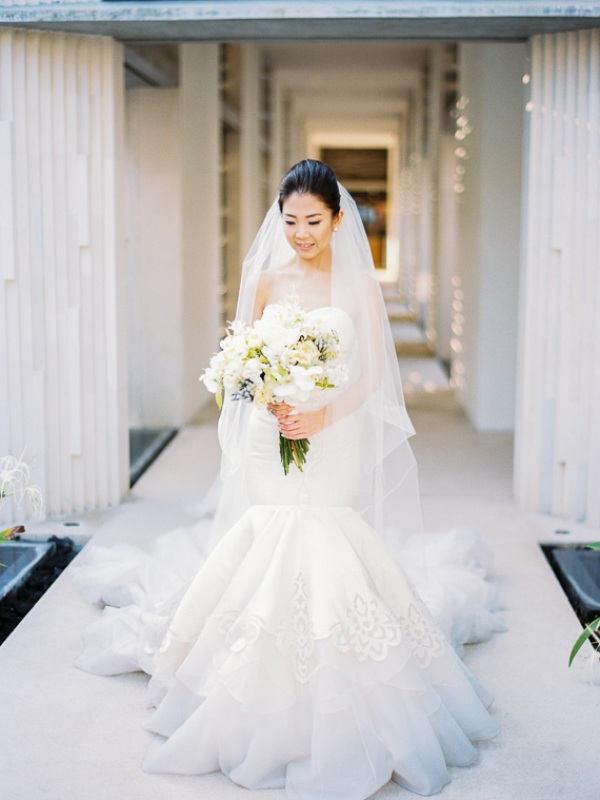 Picture Of delicate and intimate all white bali wedding  10