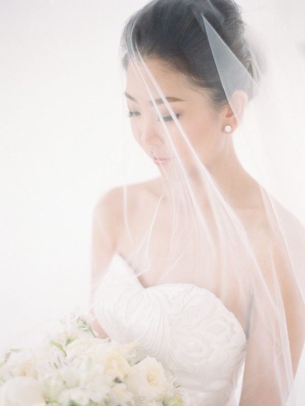 Picture Of delicate and intimate all white bali wedding  15