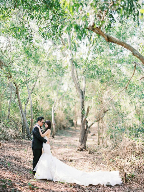 Picture Of delicate and intimate all white bali wedding  18