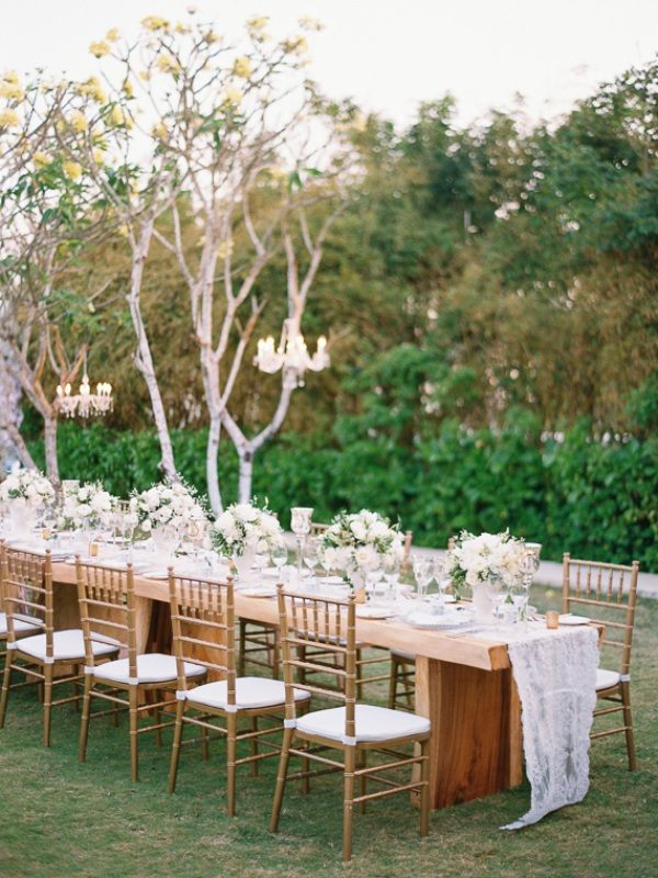 Picture Of delicate and intimate all white bali wedding  20