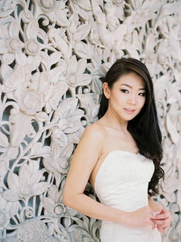 Picture Of delicate and intimate all white bali wedding  26