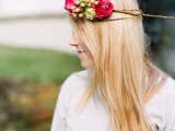 delicate-diy-assymetrical-floral-crown-with-a-natural-base-2