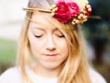 delicate-diy-assymetrical-floral-crown-with-a-natural-base-3
