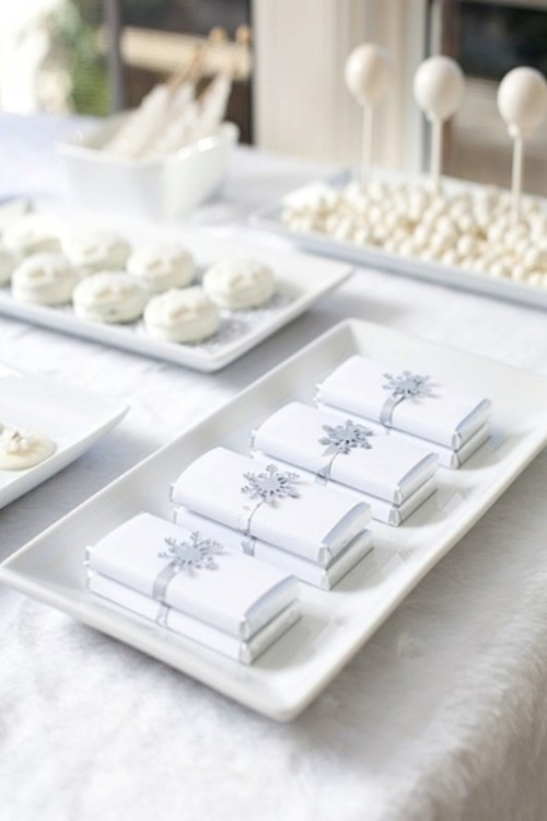 all-white winter wedding desserts - candies, Pavlovas and chocolate bars