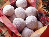 white truffles are delicious and fantastic for a winter wedding dessert table or as favors