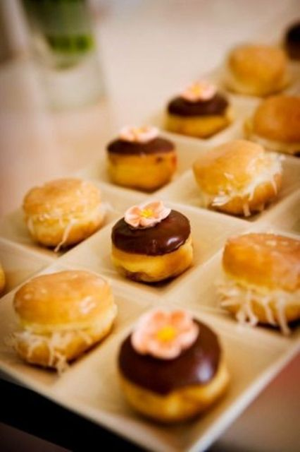 mini donuts with cheese, chocolate and sugar flowers look super cute and will please everyone