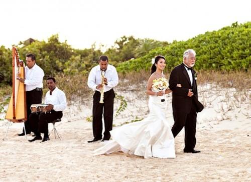 Destination Wedding With Vietnamese And American Ceremonies