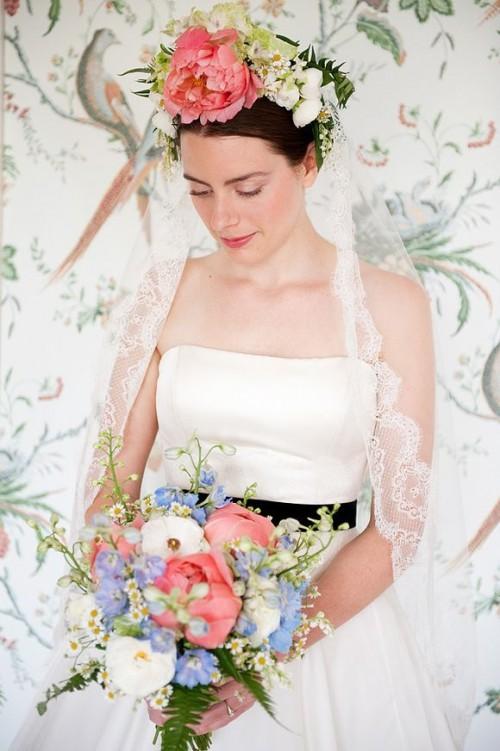DIY Floral Headpiece Goddess (via lovemydress)