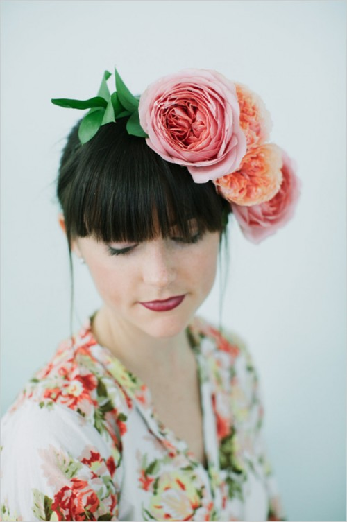 DIY Garden Rose Flower Crown (via weddingchicks)
