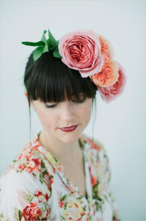 DIY Garden Rose Flower Crown (via weddingchicks)