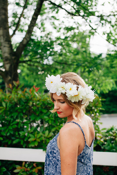 DIY Faux Flowers Crown (via feelandflourish)