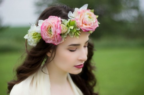 DIY Flower Crown (via sassy-sparrow)