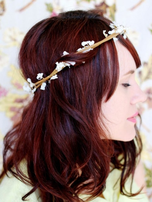 DIY Bloom Flower Crown (via abeautifulmess)