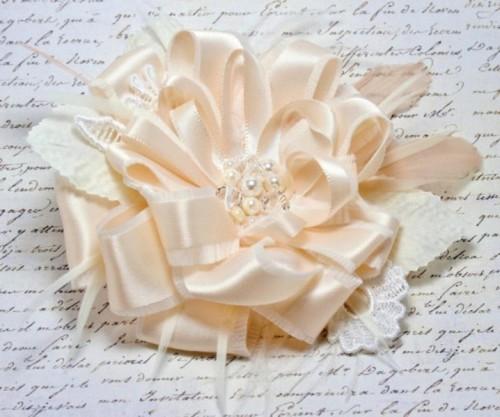 DIY Beautiful Lace Bridal Sash - Weddingomania