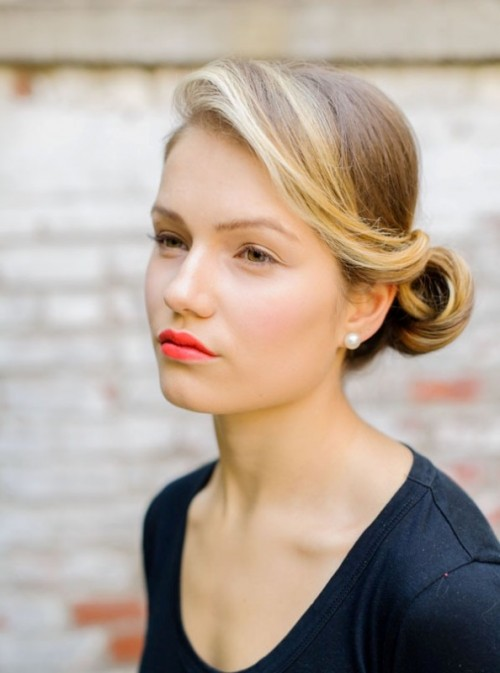 Diy Bold Lip Make Up And Sexy Sweep To Side Hair