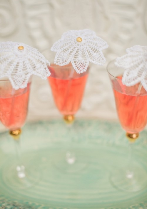 DIY Delicate And Adorable Doily Cocktail Stirrers For Wedding Decor