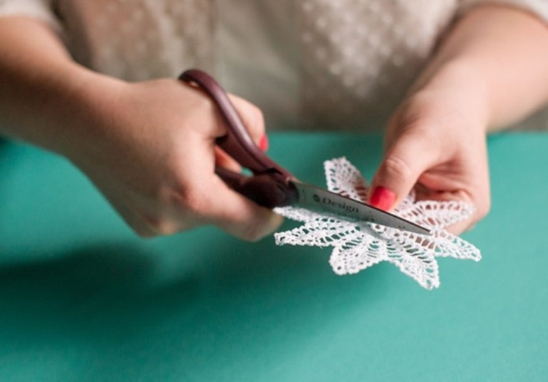 Diy Delicate And Adorable Doily Cocktail Stirrers For Your Wedding Party