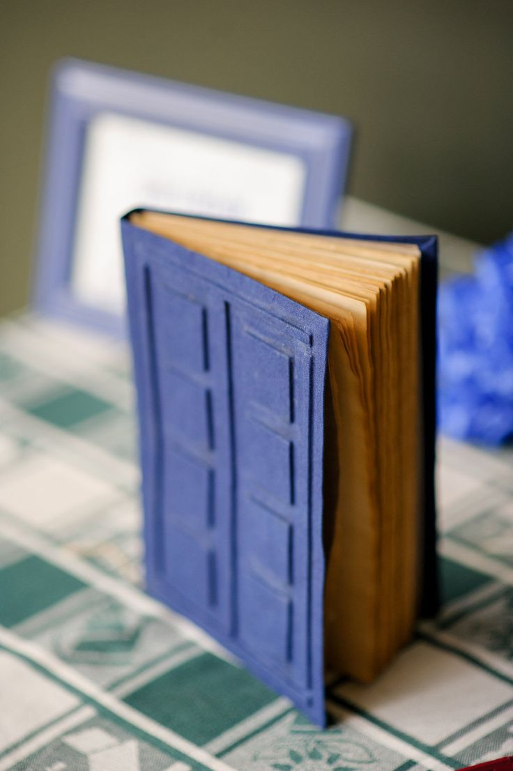 Picture Of diy doctor who wedding with attention to detail  17