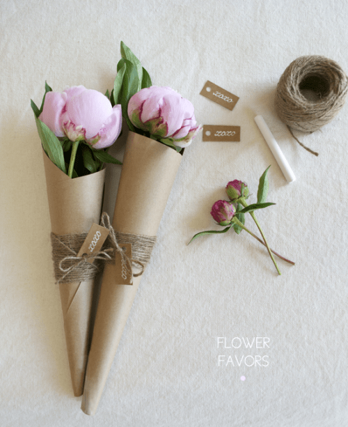 DIY Flower Favors With Twine And Tags