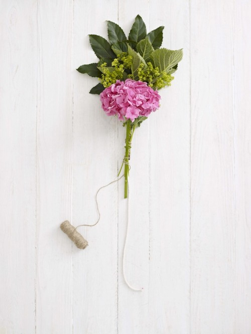 Diy Fresh Hydrangea Garland For Wedding Table Decor