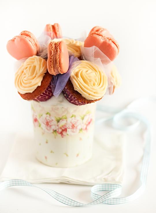 DIY Macaron Bouquet For Wedding Table Decor » Photo 3